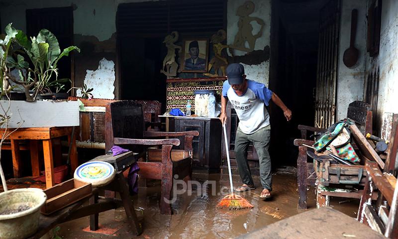 DKI Bersiap Hadapi Banjir, Pompa Air di 180 Titik Siaga Penuh - JPNN.com