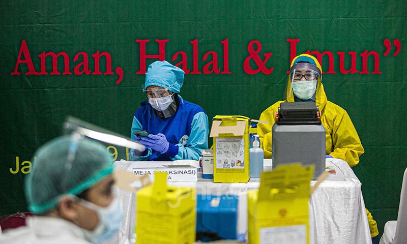 Kemenkes, IDI Hingga MUI Sepakat Vaksinasi Tetap Dilakukan di Bulan Ramadan - JPNN.com