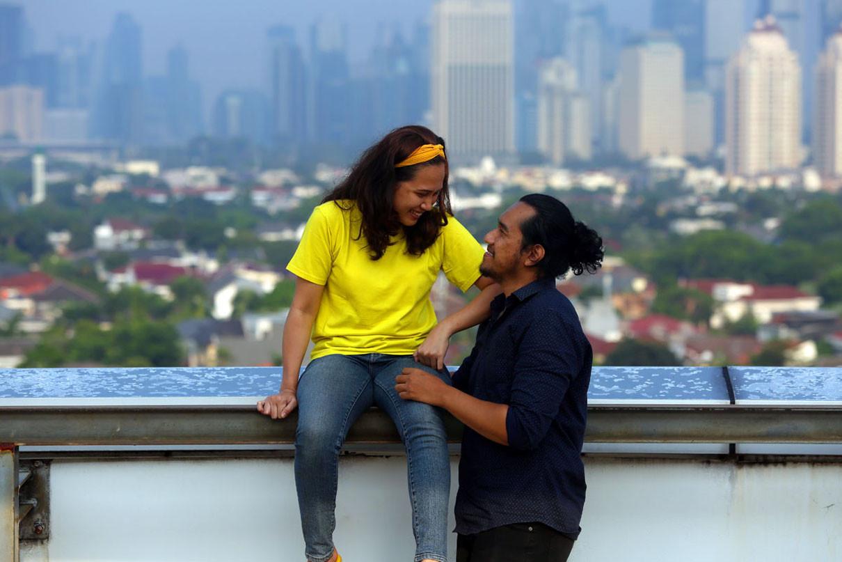 5 Tanda Pria Begitu Mencintai Kekasihnya - JPNN.com