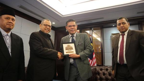 Sambangi Anggota Pakatan Harapan, PKS Singgung Nasib TKI