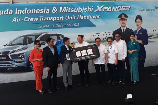 Mitsubishi Xpander Resmi Layani Pramugari Garuda Indonesia