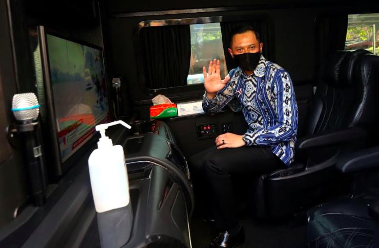 Wuih! Lihat Nih Kemewahan Mobil Agus Yudhoyono Saat Sambangi PKS