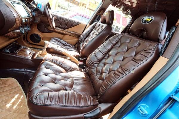 Jahitan MBtech di Interior Daihatsu Feroza Sukses Menggoda