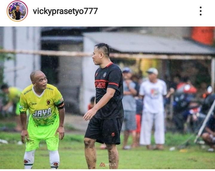 Bang Sapri Meninggal, Vicky Prasetyo Kenang Momen Bermain Sepak Bola