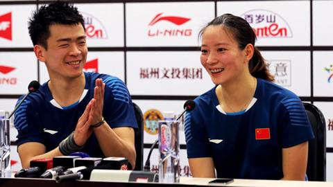 Shi Yuqi dan Zheng Siwei / Huang Yaqiong Tembus Final