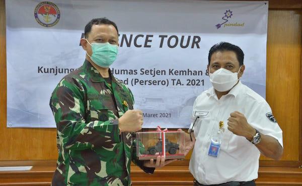 Gelar Tur Pertahanan, Kemenhan Ajak Jurnalis Sambangi Disjarah TNI AD dan PT Pindad