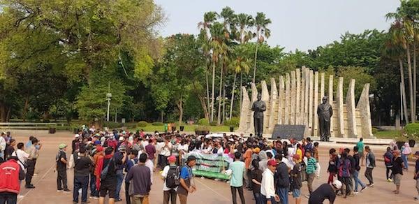 Sambut Pelantikan Presiden, MPD dan Srikandi Milenial Gelar Doa Bersama di Tugu Proklamasi