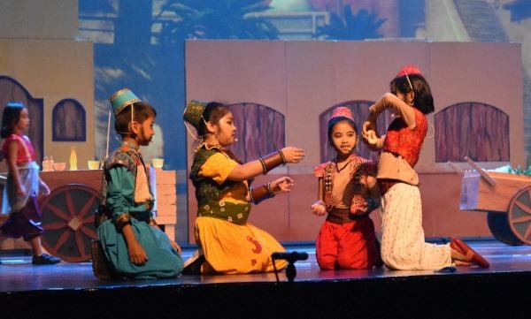 Asah Kemampuan Bahasa Inggris Siswa Lewat Drama Musikal, Keren!