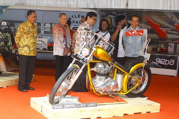 Tampil Gaul di IIMS, Jokowi Picu Inovasi Industri Kreatif