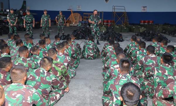 Tentara Langit Dapat Pengarahan Jelang Terjun di Jayapura dan Wamena