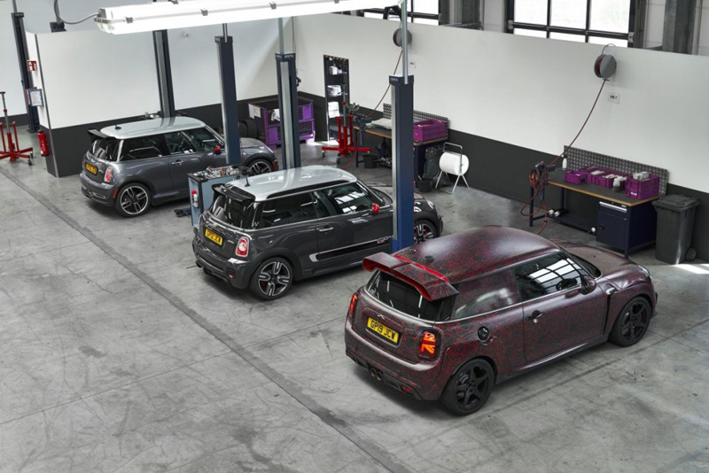 MINI John Cooper Works GP Beringas dan Eksklusif