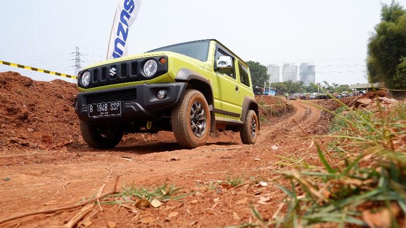 Test Drive Suzuki Jimny Terbaru di Habitat Aslinya, Gokil!