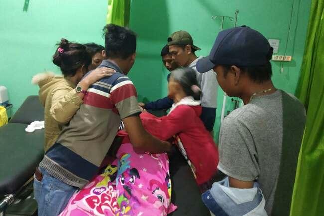 Foto-foto Insiden Biduan Organ Tunggal Tewas Dikeroyok dan Dilempari Batu