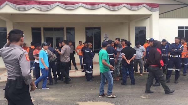 KEJAM! Perusahaan Tambang Asing Pecat Puluhan Pekerja Lokal