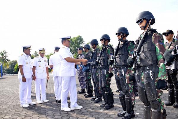 Hebat! Prajurit TNI AL Ini Terima Penghargaan dari Panglima