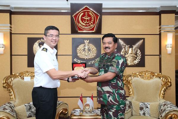 TNI - AB Singapura Bersama Menjaga Perairan Selat Malaka