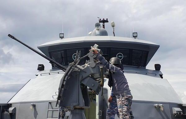 TNI AL dan TNI AU Kerahkan KRI Sidat dan 2 Pesawat Tempur F16 di Blok Ambalat, Ada Apa?