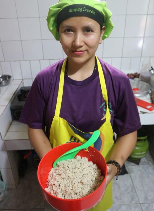 Warga Cireundeu Mengonsumsi Nasi dari Beras Singkong, Sudah Hampir Seabad