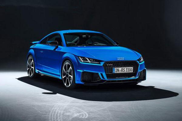 Audi TT RS Baru, Segar dan Bertenaga