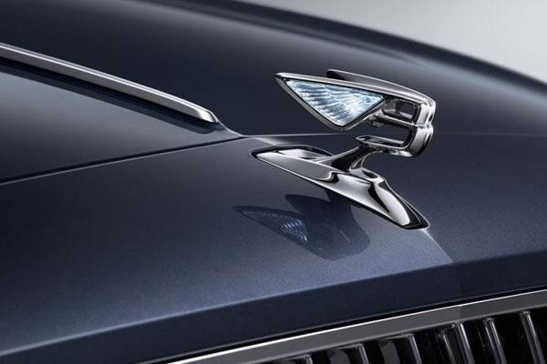 Menunggu Interpretasi Baru Bentley Flying Spur 2019