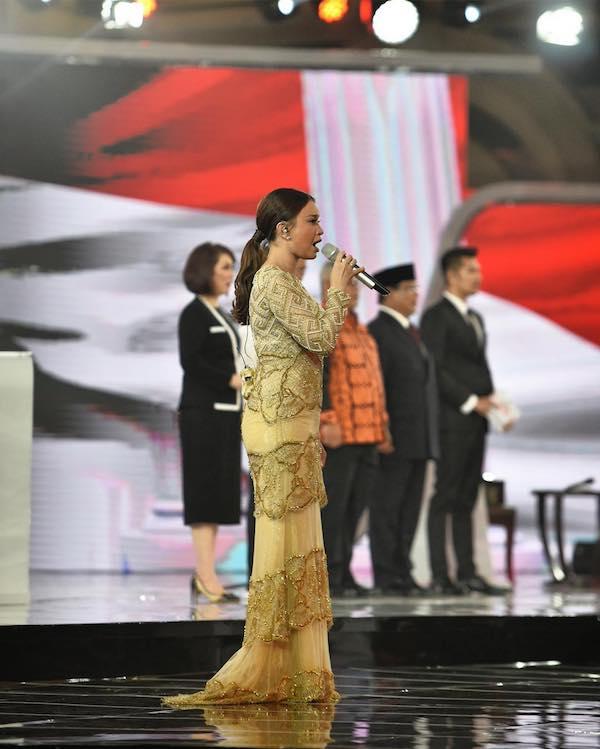 Duh, Mbak Rossa Salah Lirik Lagu Indonesia Raya