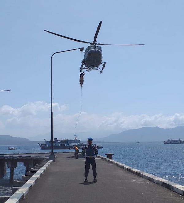 Pasukan Katak TNI AL Langsung Bergerak Setelah Sejumlah Penumpang Histeris