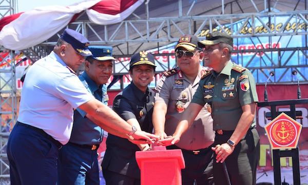 Ribuan Pengunjung Tampak Antusias Memadati Pameran Alutsista TNI