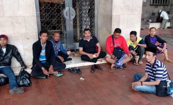 Silatnas Honorer K2 Batal, Massa dari Jatim Sudah di Jakarta
