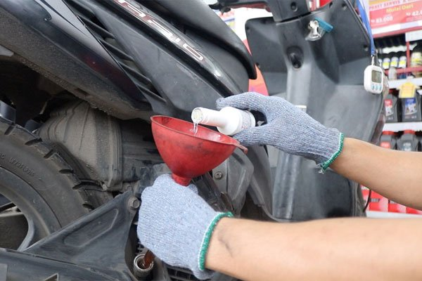 Planet Ban Buka Layanan Servis Motor Tanpa Bongkar dan Murah
