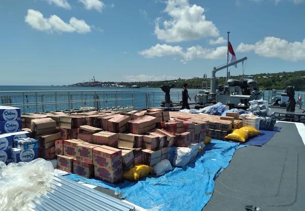 TNI AL Kerahkan Kapal Perang untuk Angkut Bantuan ke NTT
