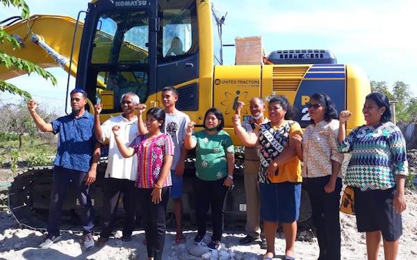 Ansy Lema Sukses Perjuangkan Excavator untuk Pertanian Lahan Kering di Sumba Timur