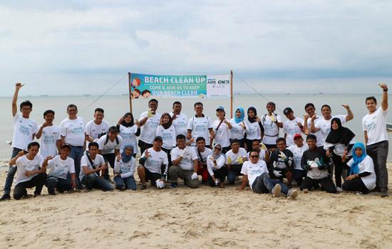 CKB Logistics Galakkan Aksi Jaga Lingkungan via Beach Clean Up