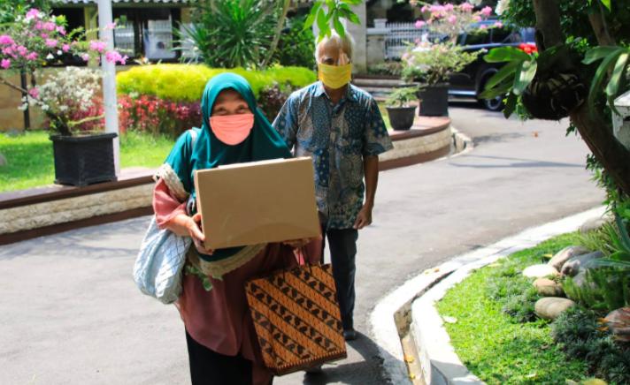 Bikin Terharu, Dua Lansia Datang Bawa Uang untuk Ganjar, Menawarkan Diri jadi Sukarelawan