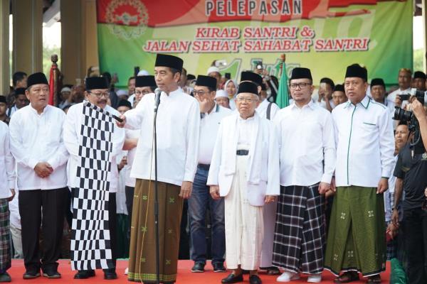Jokowi Lepas 1 Juta Kirab Santri di Sidoarjo
