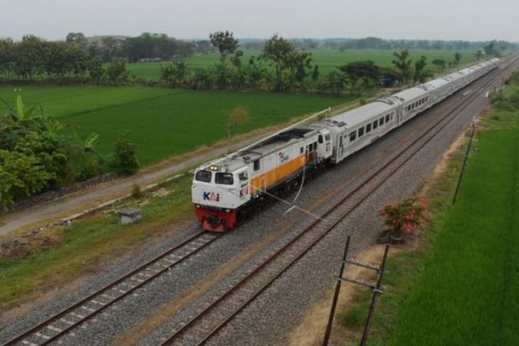 Status PPKM Menurun, 52 KA Lokal Daop 8 Surabaya Kembali Beroperasi - JPNN.com Jatim