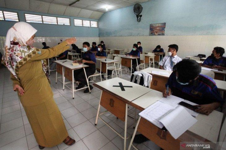 Dispendik Surabaya Bantah Ada Praktik Jual Beli Bangku Sekolah - JPNN.com Jatim