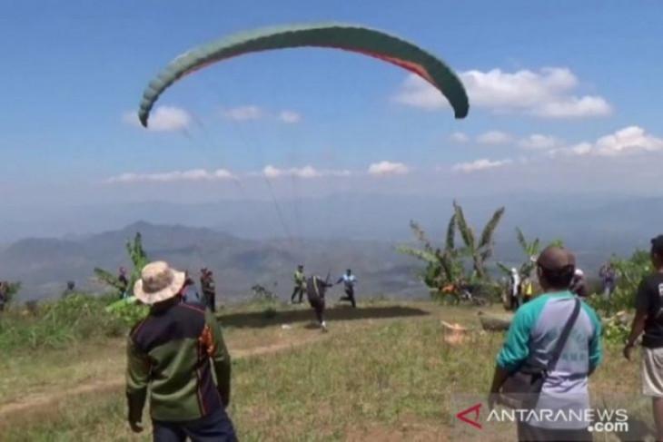 Gunung Liliran di Ngawi Berpotensi Jadi Spot Paralayang, Lihat Pemandangannya, Menakjubkan! - JPNN.com Jatim