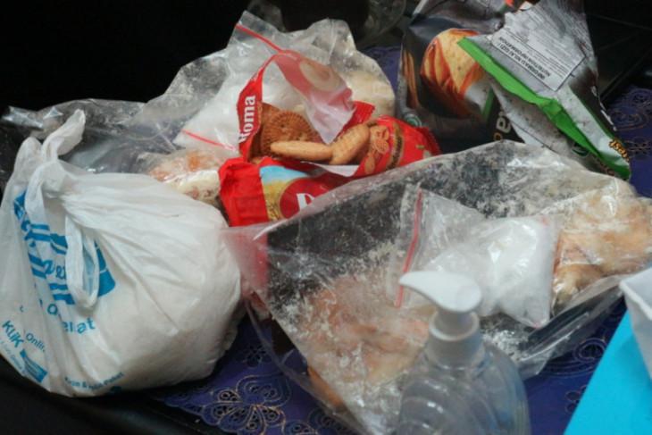 BA Kedapatan Seludupkan Sabu-sabu Lewat Paket Roti di Lapas Surabaya - JPNN.com Jatim