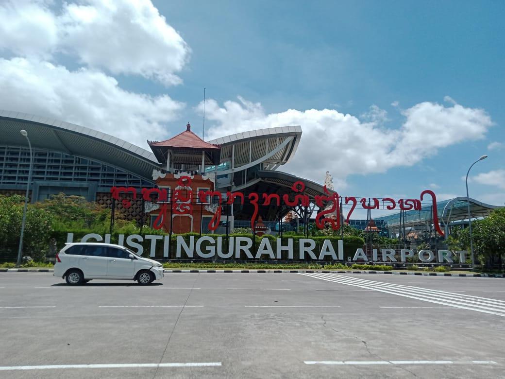 Bandara Ngurah Rai Pertama di Indonesia Terapkan Transaksi Digital Layanan Bea Cukai - JPNN.com Bali