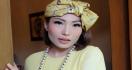 Cerita Ayu Dewi Melahirkan Anak Ketiga, Mau Dibacain Doa Antisantet - JPNN.com
