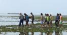 Perahu Dihantam Ombak, Dua Nelayan Tewas Tenggelam di Pesisir Barat - JPNN.com