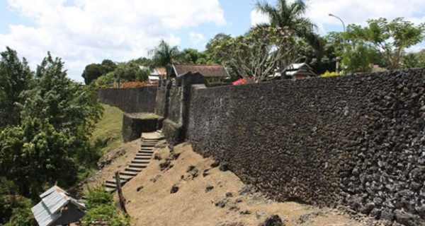 3 Hal Aneh di Satu-satunya Pulau yang Tak Ditaklukkan Belanda - GenPI.co