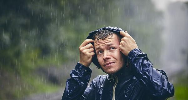 5 Destinasi Wisata Musim Hujan yang Menarik Dikunjungi! - GenPI.co