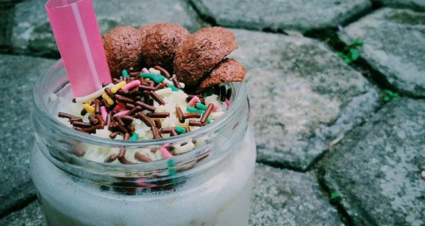 Agar Weekend Ceria, Jangan Lupa Minum Vanilla Smoothie - GenPI.co