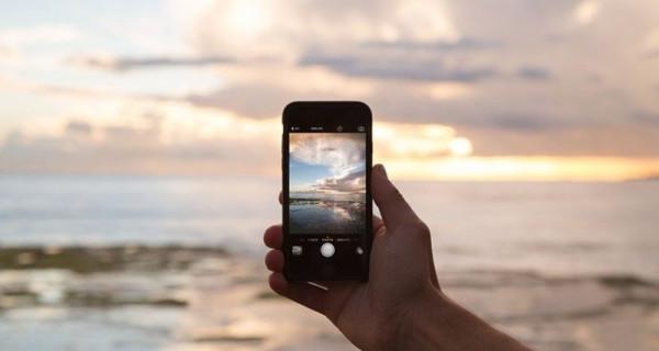 3 Handhone Terbaru 2020, Harganya Bisa Bikin Geleng-Geleng Kepala - GenPI.co