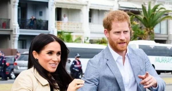 Pangeran Harry dan Meghan Markle tak Boleh Pakai Gelar Royal? - GenPI.co