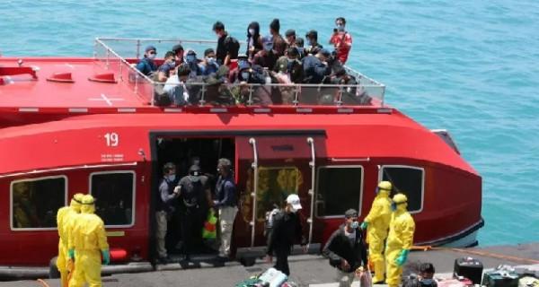 Corona: Dramatis, TNI AL Evakuasi 188 WNI dari Kapal World Dream - GenPI.co
