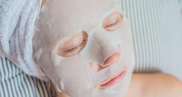 Tips dan Trik Pakai Sheet Mask untuk Hasil yang Maksimal - GenPI.co