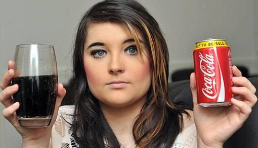 Kecanduan Coca-Cola, Remaja Inggris Nyaris Tewas - JPNN.COM