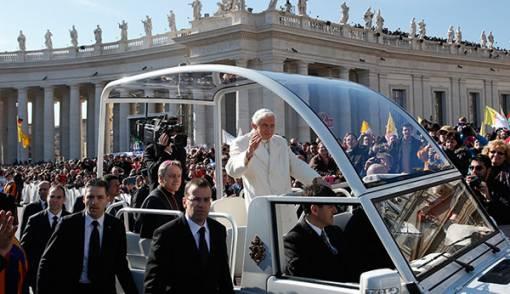 Paus Berkotbah Terakhir di Depan 150 Ribu Umat - JPNN.COM